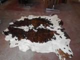 tappeto in pelle di mucca